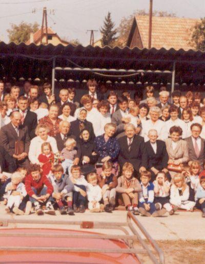 1985 a gyülekezet a 75 éves jubileumon