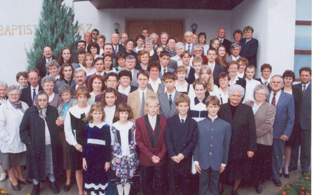 Jubiláló gyülekezet 2001