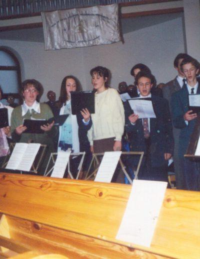 2000 Tenkely Béla beiktatásán énekel az ifjúság