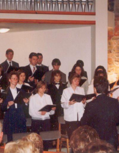 1998 adventjén a Baptista Ifjúsági Kórus